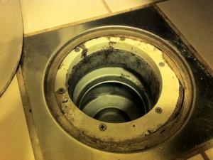 Hvordan montere vannlås